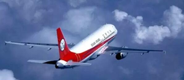 根据川航提供的航班时刻表显示,成都-银川-迪拜